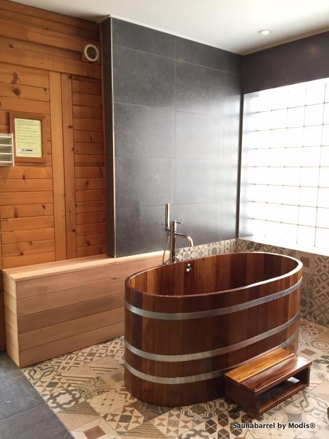 Combbala de bain en bois