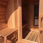 Terrace and dressing room of a long sauna barrel
