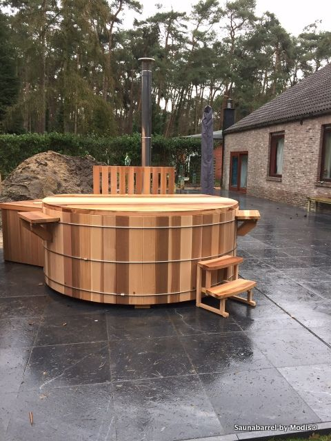 Hot tub, diameter 250cm: realization in Essen.