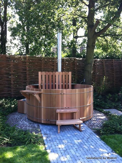 Hot tub, diameter 210cm: realization in Schoten.