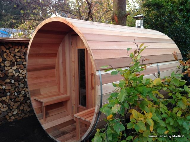Sauna barrel with extra roof covering: realization in Keerbergen.