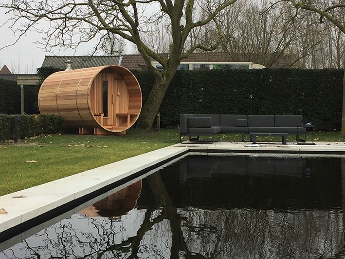 Barrel sauna at the swimming pond in Jabbeke